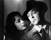 Title: OUT OF THE PAST / BUILD MY GALLOWS HIGH ¥ Pers: GREER, JANE / MITCHUM, ROBERT ¥ Year: 1947 ¥ Dir: TOURNEUR, JACQUES ¥ Ref: OUT001AA ¥ Credit: [ RKO / THE KOBAL COLLECTION ]