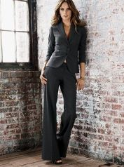 9881642b9eb31520da99639aa5bbae01--business-suits-for-women-womens-pant-suits