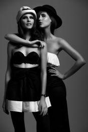a496afafb0ae427764d10cd95c2a57d4--group-photos-fashion-poses